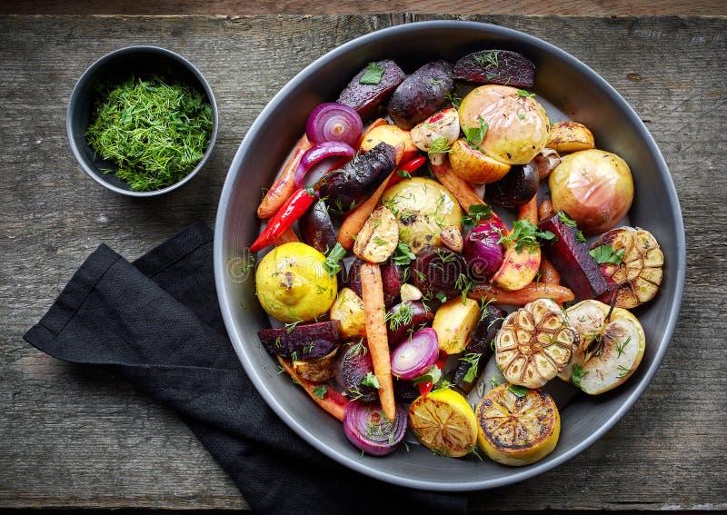 Gebratene Obst und Gemüse stockfotos