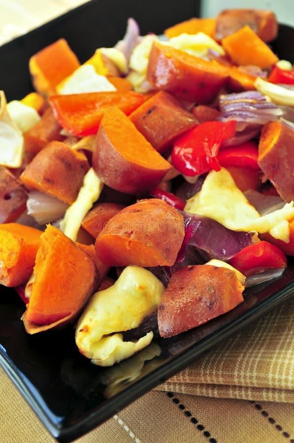 Gebratene süße Kartoffeln stockfotografie