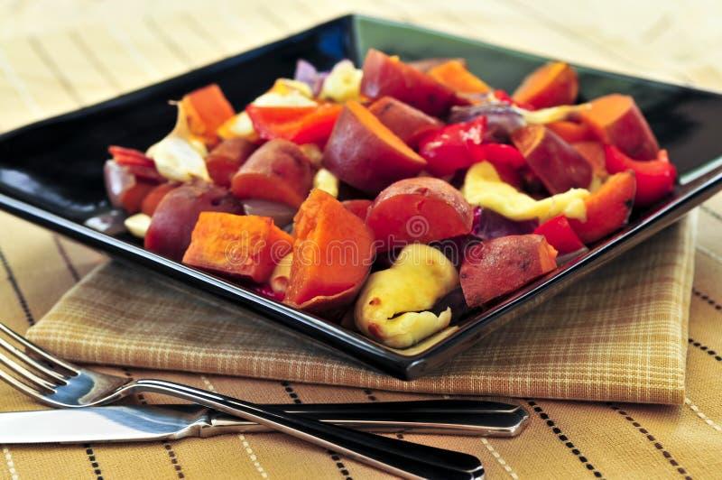 Gebratene süße Kartoffeln stockbilder