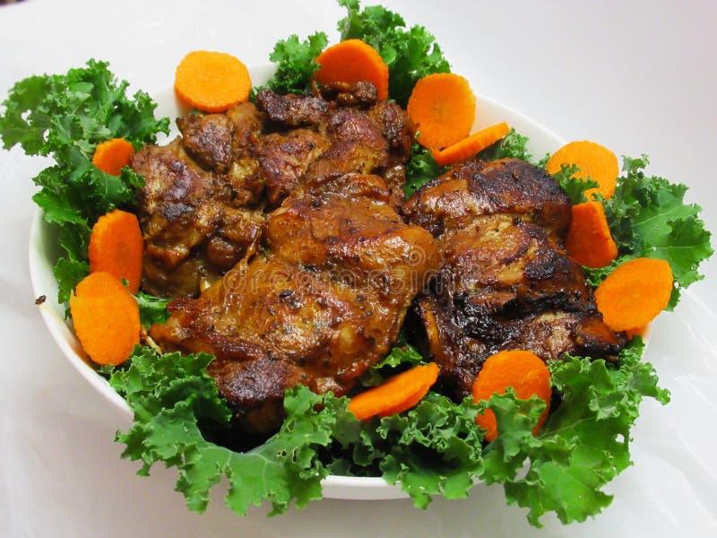 Gebratener die Türkei-Fleisch-Abendessen-Hauptgericht-Teller stockfotos