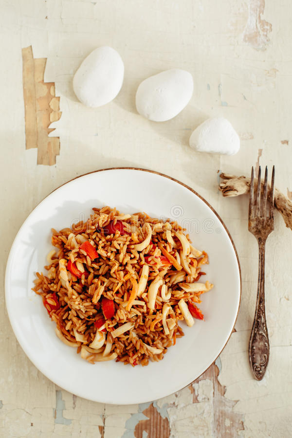 Gebratener Reis mit essbaren Meerestieren Asiatische Küche lizenzfreies stockbild