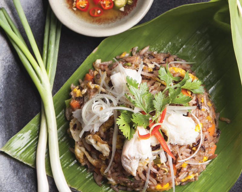Gebratener Reis mit Krabbenfleisch stockbild
