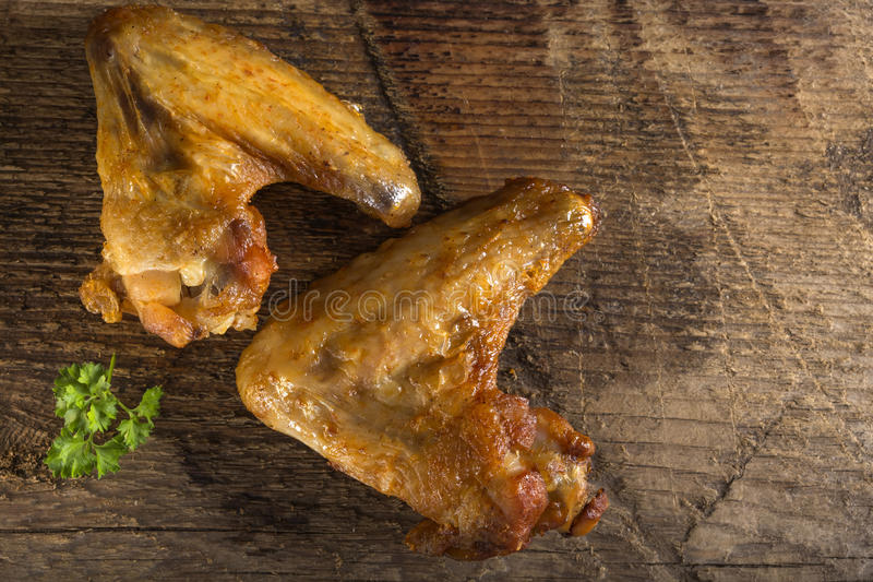 Gebratenes Hühnerflügel lizenzfreie stockbilder