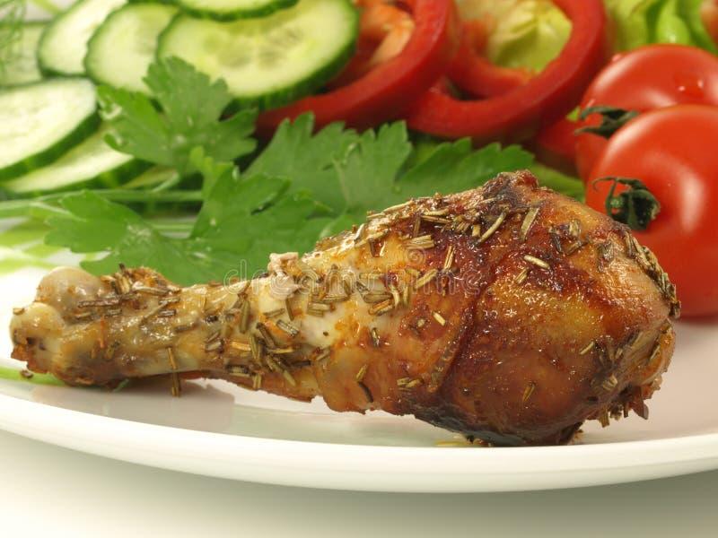 Gebratenes Huhn und Gemüse, Nahaufnahme stockfoto