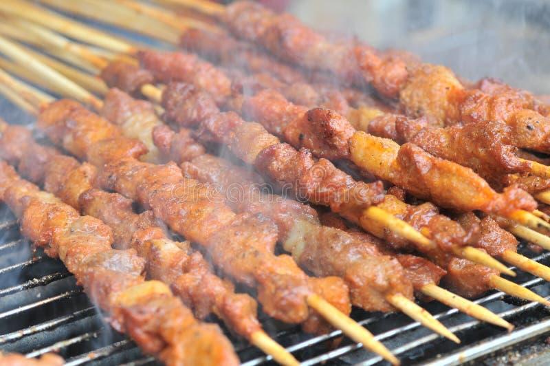 Gebratenes Lamm shashlik/Lammaufsteckspindel/shish kebab/auf Festivalfeinschmeckerfestival lizenzfreie stockfotografie