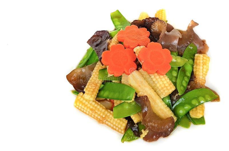 Gebratenes Mischungsgemüse lokalisiert auf weißem Hintergrund mit Ausschnitt p stockbild