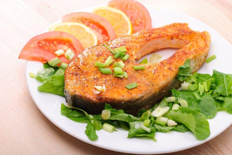 Gebratenes salomon Steak lizenzfreie stockfotografie