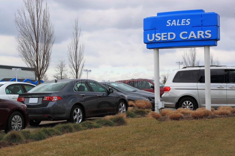 Gebrauchtwagen-Verkäufe stockfotos