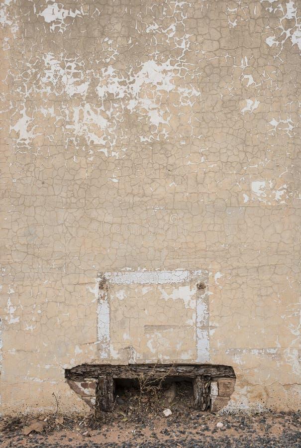 Gebrochene Farben-alte Backsteinmauer lizenzfreies stockfoto