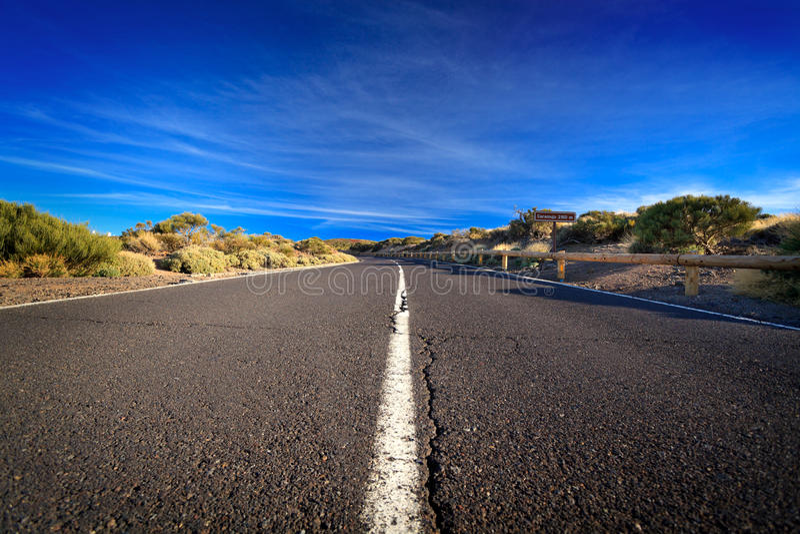 Gebrochene Straße stockfoto
