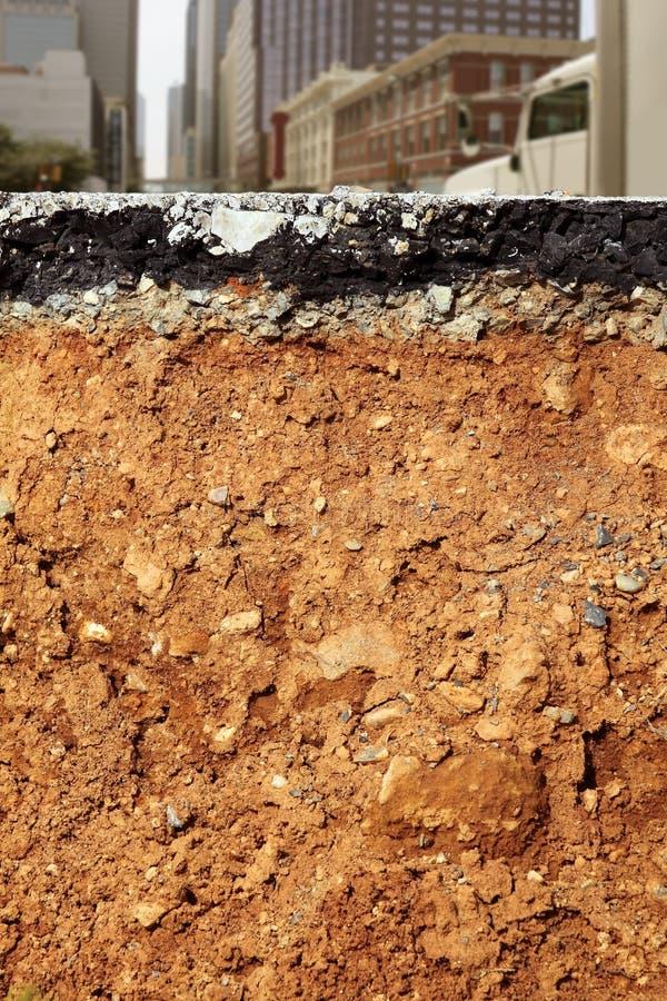 Gebroken de uitgravingsdwarsdoorsnede van de stadsweg royalty-vrije stock foto