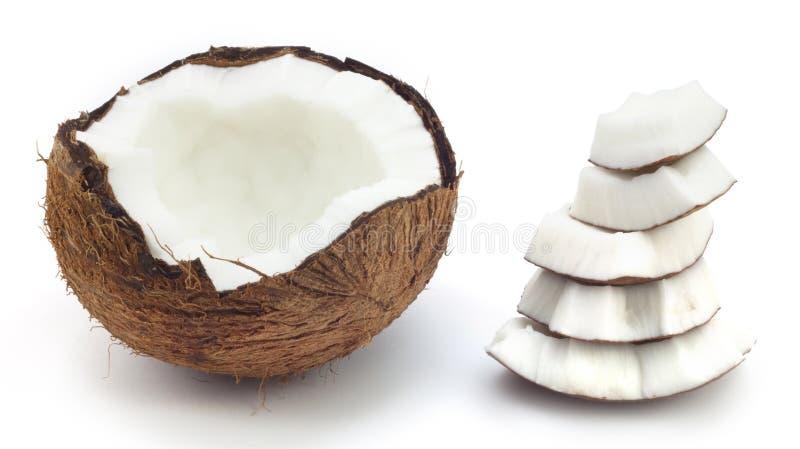 Gebroken een kokosnoot stock afbeelding
