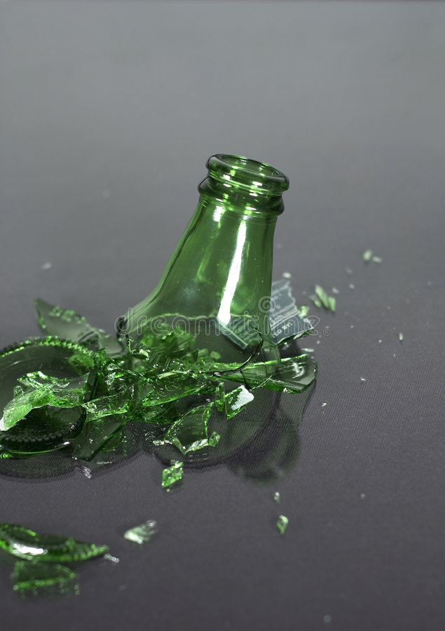 Gebroken fles - hoogste status stock fotografie