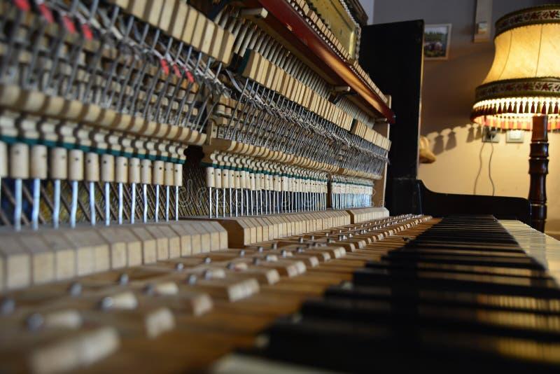 Gebroken piano royalty-vrije stock foto