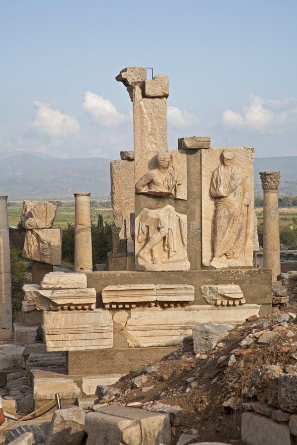 Gebroken standbeelden in Ephesus royalty-vrije stock afbeelding