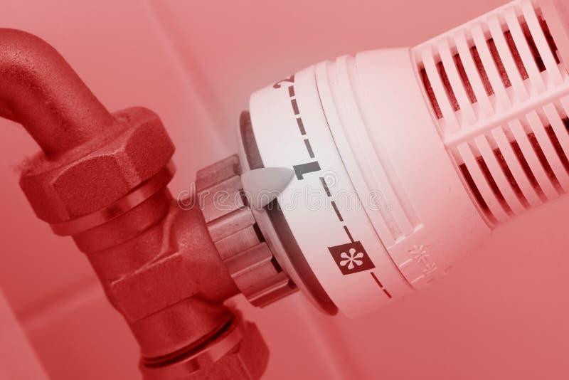 Gebruikt en stoffige temperatuurknop van het verwarmen van radiator, royalty-vrije stock foto