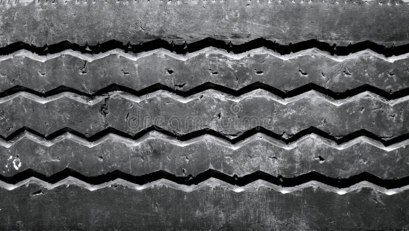 Gebruikte autoband stock fotografie