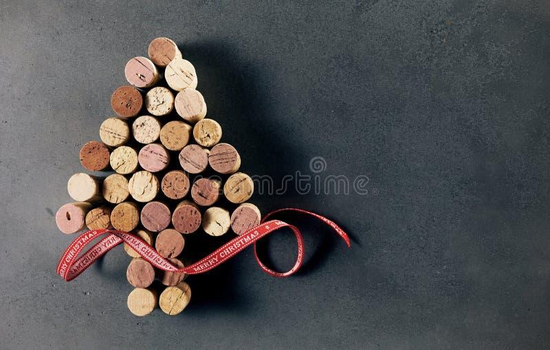 Gebruikte cork van de wijnfles Kerstboom stock afbeelding