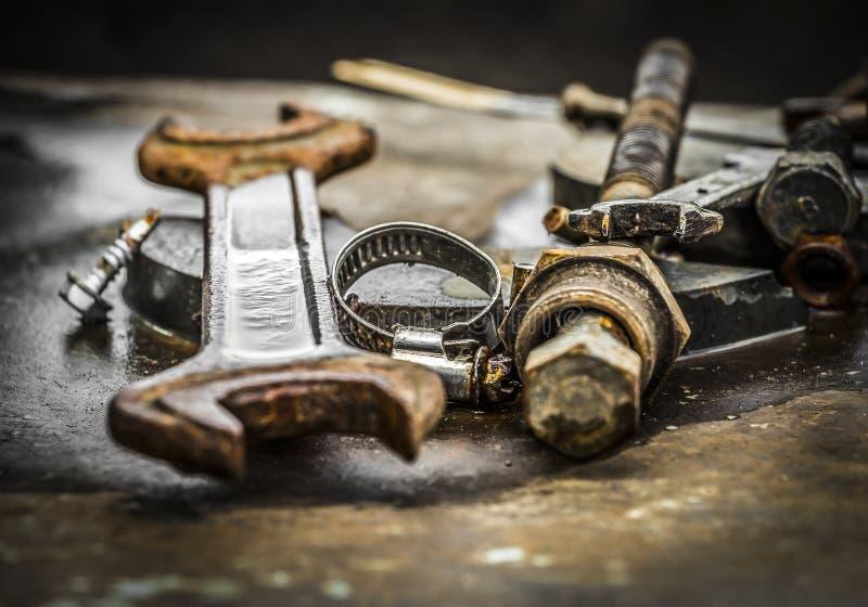 Gebruikte delen voor reparatie van materiaal stock afbeeldingen