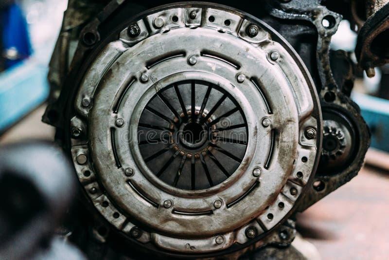 Gebruikte grunge vuile koppelingsuitrusting stock fotografie