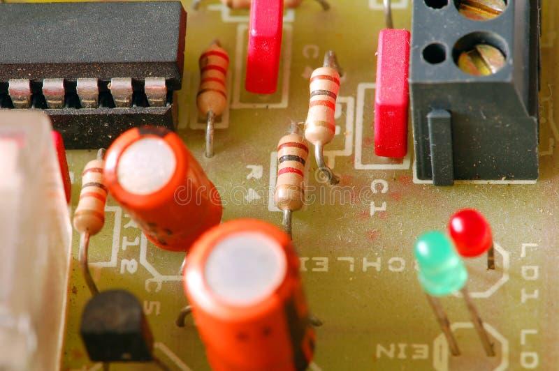 Gebruikte stoffige elektronische kring en componenten. royalty-vrije stock foto's