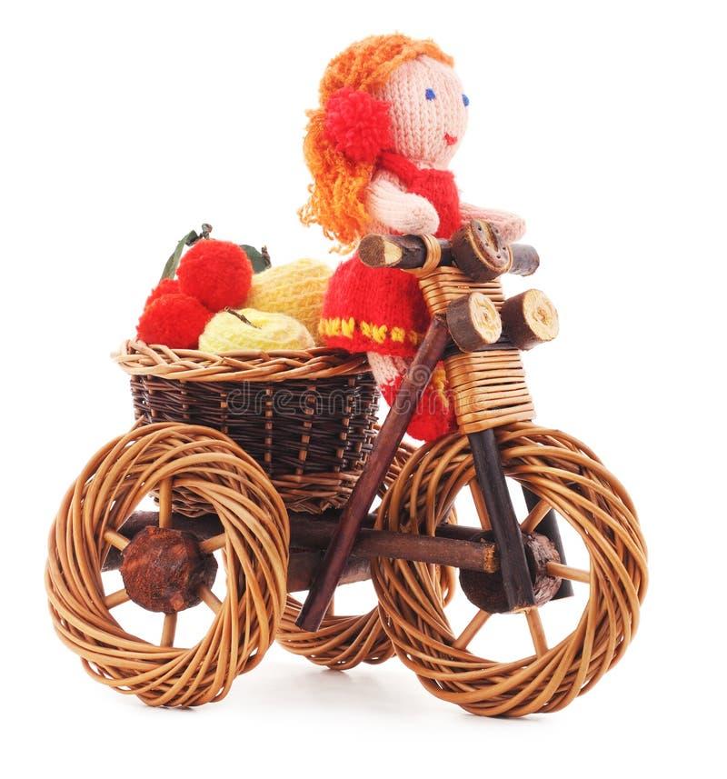 Gebundene Puppe auf einem Fahrrad lizenzfreie stockbilder