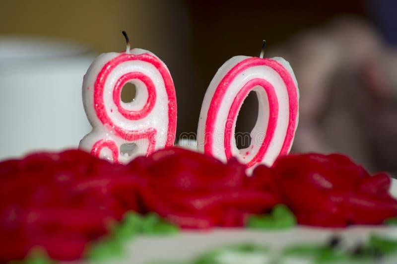 90. Geburtstags-Kuchen-Kerzen lizenzfreies stockbild