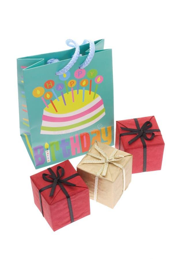 Geburtstagsfeierbeutel- und -geschenkkästen lizenzfreies stockbild
