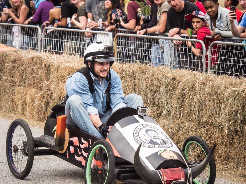 Geconcentreerde de Raceauto van Red Bull Soapbox royalty-vrije stock foto