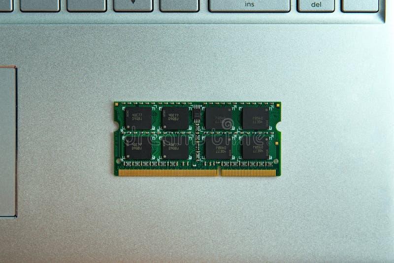 Gedächtnismodule für Laptopverbesserung lizenzfreies stockfoto