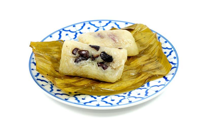 Gedämpfter klebriger Reis mit Banane oder Khao Tom Mad lizenzfreie stockbilder