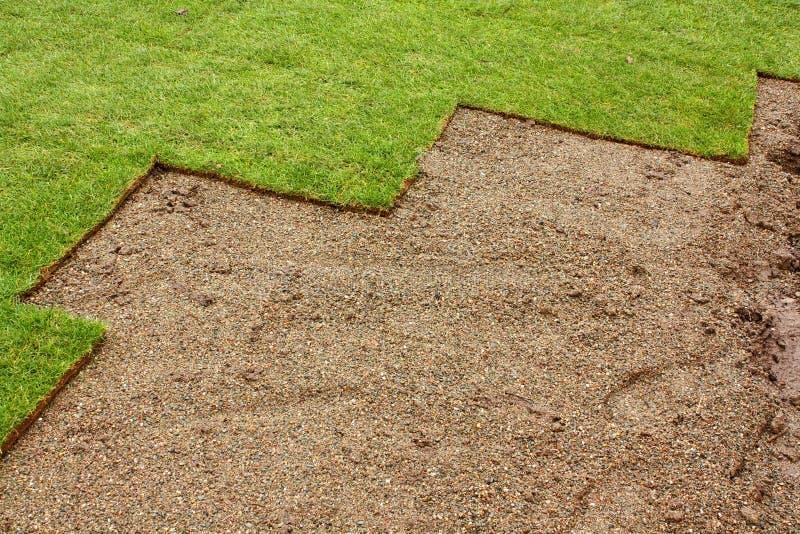 Gedeeltelijk gelegd Gras stock afbeelding