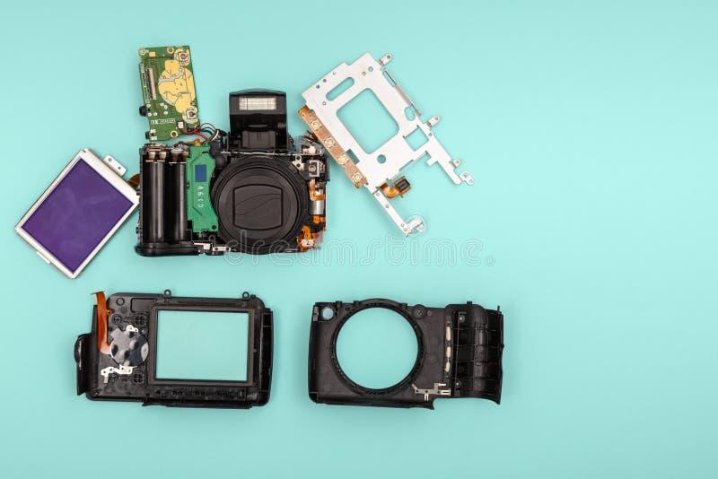 Gedemonteerde camera royalty-vrije stock afbeeldingen
