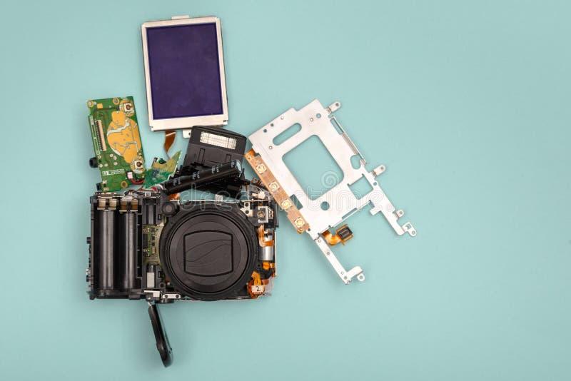 Gedemonteerde fotocamera stock foto's