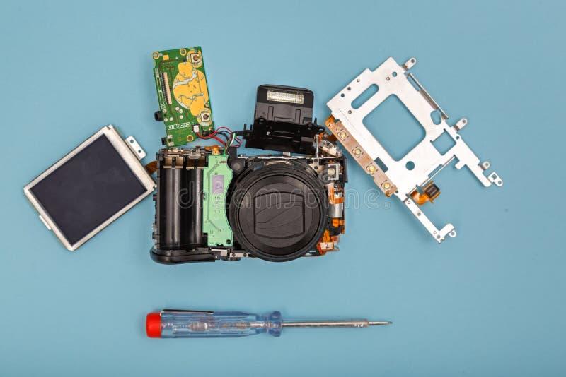 Gedemonteerde fotocamera stock foto