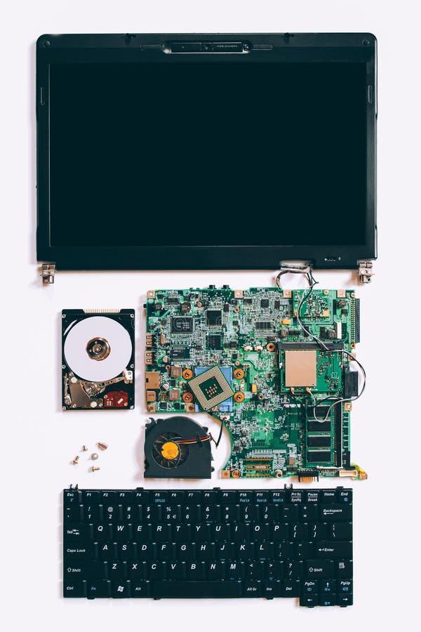Gedemonteerde laptop van technologie steun elektronische delen royalty-vrije stock foto
