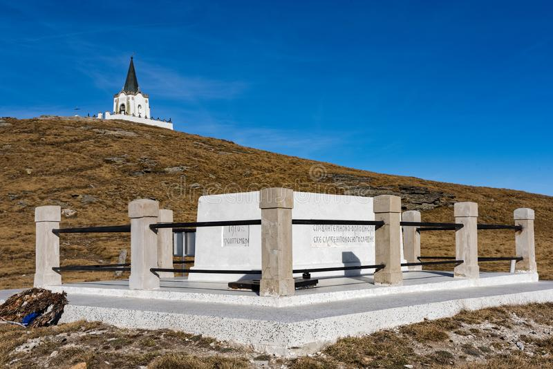 Gedenkteken en kapel in Griekenland royalty-vrije stock afbeelding