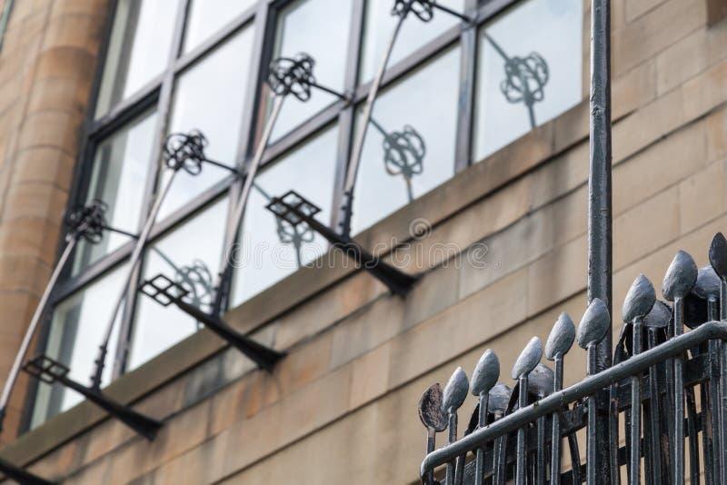 Gedetailleerde foto van de decoratieve staalfabriek op de buitenkant van Glasgow School van de Kunstbouw, Glasgow het UK royalty-vrije stock afbeelding