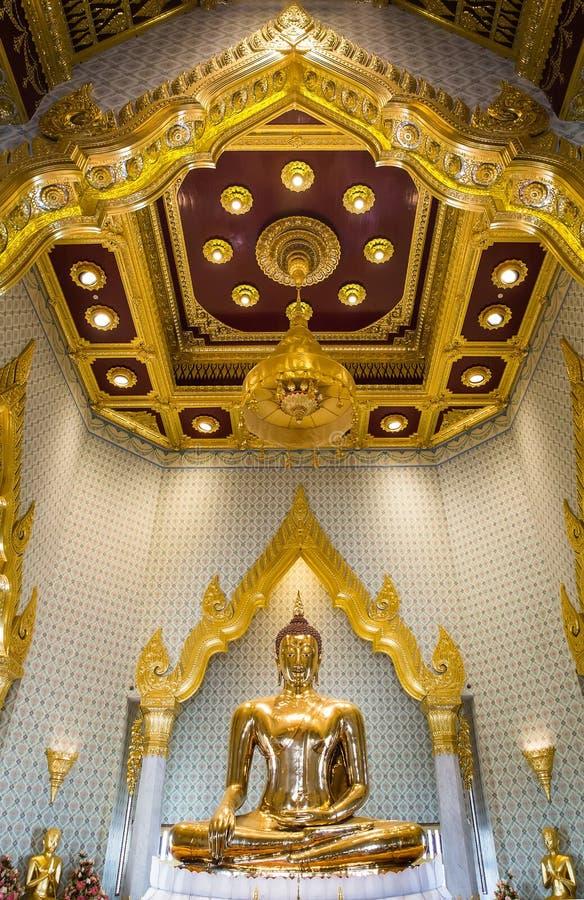Gediegenes Gold Buddha lizenzfreie stockfotos