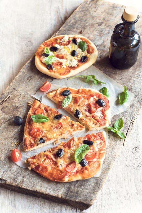 Gediente vegetarische Pizza stockfotografie