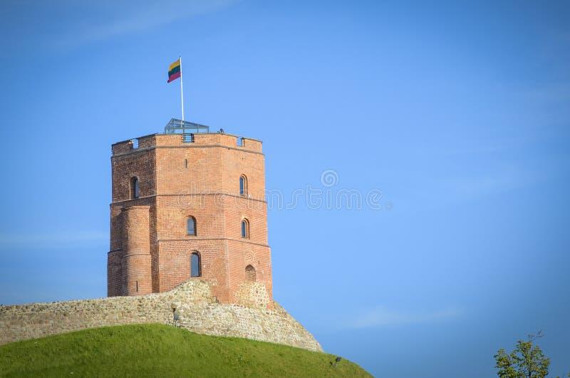 Gediminas slotttorn i Vilnius, Litauen arkivbild