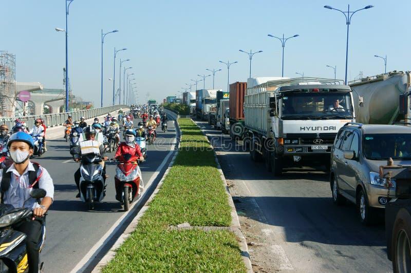 Gedrängt, Vietnam, Asien ctiy, Fahrzeug, Abgase, lizenzfreie stockfotografie