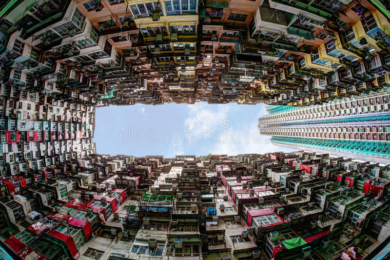 Gedrängte Wohnung in Hong Kong lizenzfreie stockfotos