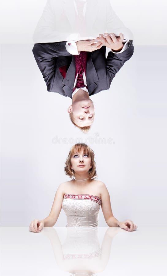 Gedreht Braut und Bräutigam lizenzfreies stockfoto