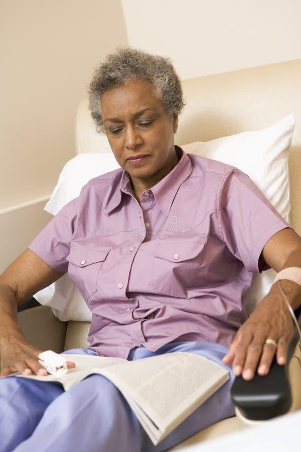 Geduldige Ondergaande Chemotherapie Traetment stock afbeelding