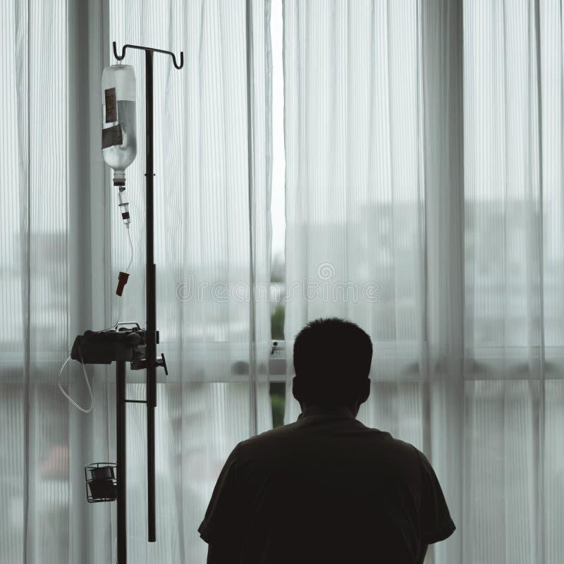 Geduldige Sorgen über Krankheitskosten lizenzfreie stockfotografie