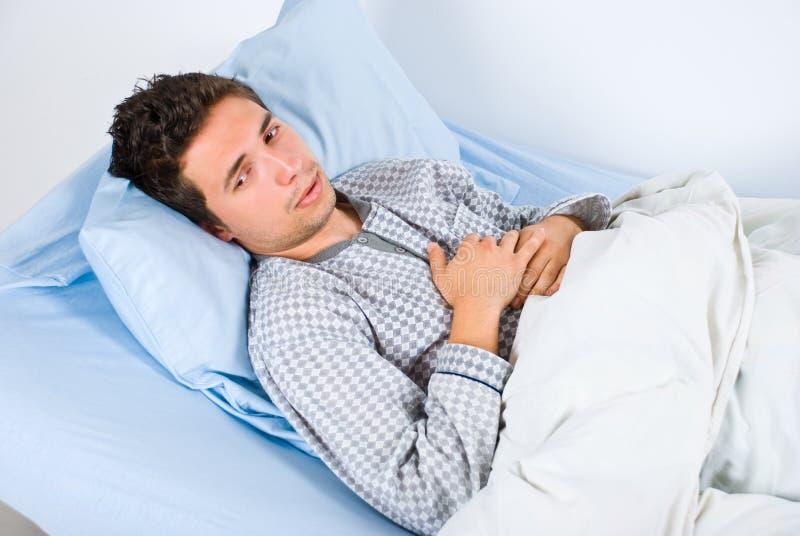 Geduldiger Mann in den Schmerz stockfotos
