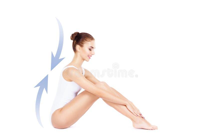 Geeignetes und sportliches Mädchen in der weißen Unterwäsche Schöner und gesunder wo stockfotos