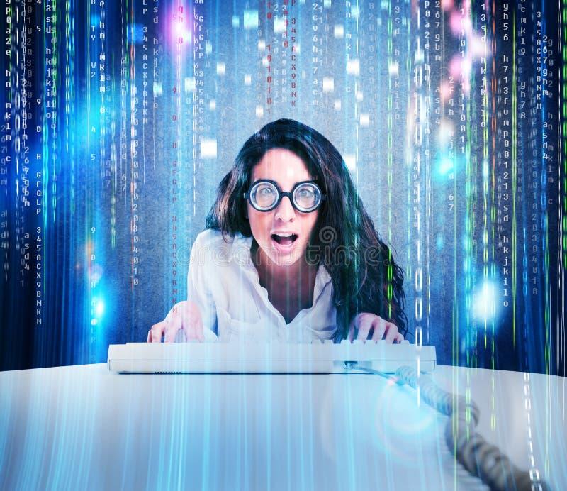 Geek en hakkervrouw royalty-vrije stock afbeeldingen
