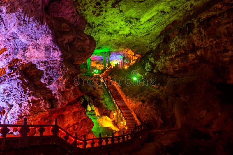 Geel Dragon Cave, Wonder van de Holen van de Wereld, Zhangjiajie, China stock afbeelding